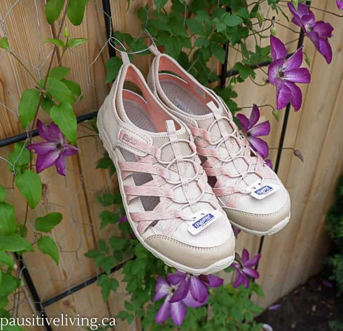 a9651e11fd86 Jammin  in Skechers Reggae Sandals - Pausitive Living Reggae Sandals